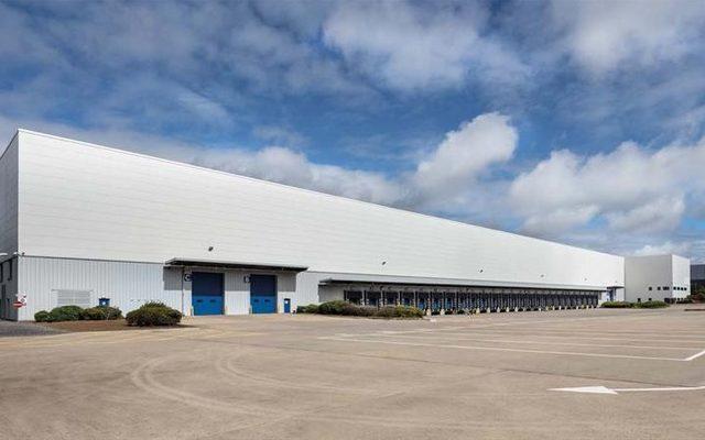 Hangar, Building