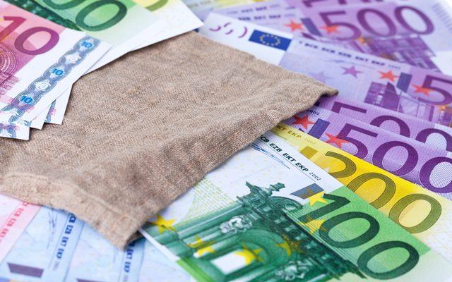 Home Decor, Linen, Money