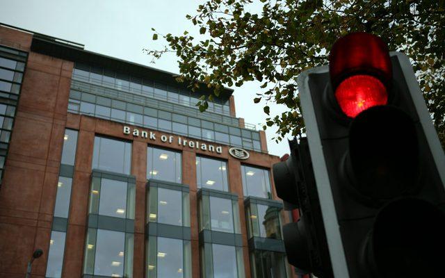 Traffic Light, Light, Office Building