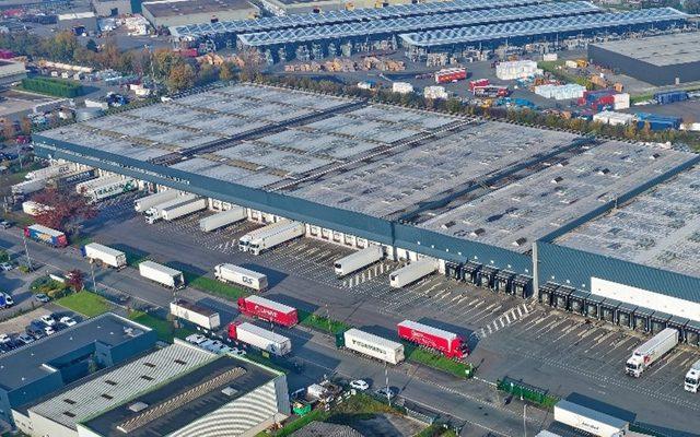 Warehouse, Exterior, Distribution centre